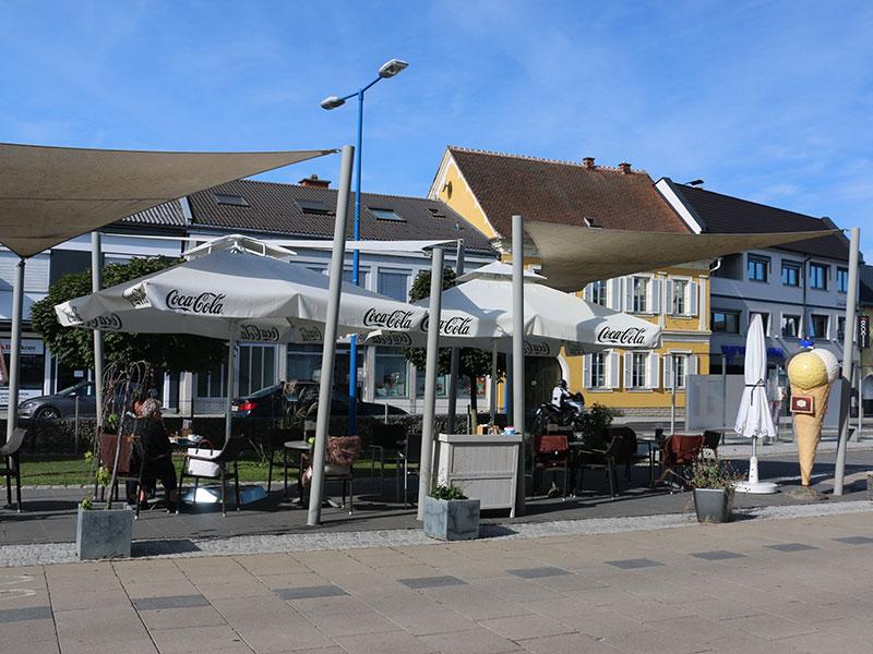 KunstCafe Stegersbach ... Terrasse ... Foto © by Christoph Friedl